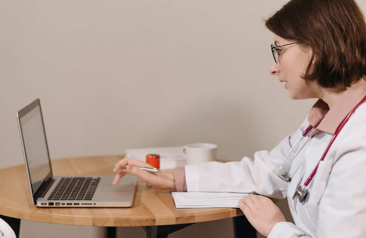 Best Laptops for Nursing Students